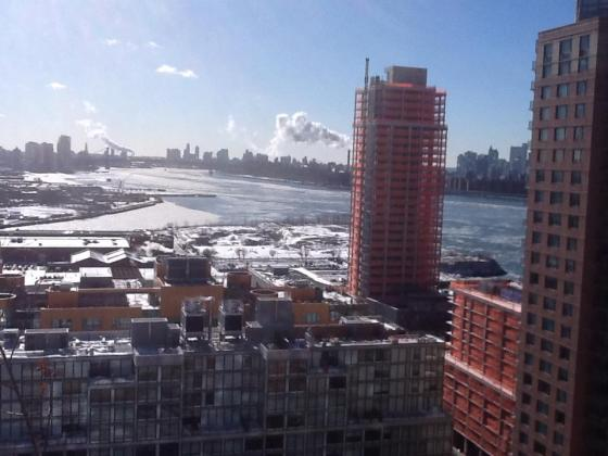 East River ice floes and Hunter's Point South. Photo by Mark Christie of Friends of Gantry and Neighborhood Parks (http://friendsofgantry.org/).