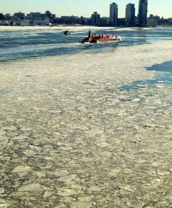 East River ice floes. Photo by Steve Sanford (http://www.stevesanfordartist.com)